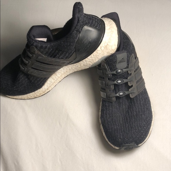 buy online 530f7 477a7 Adidas ultra boost Sneakers with Hickies